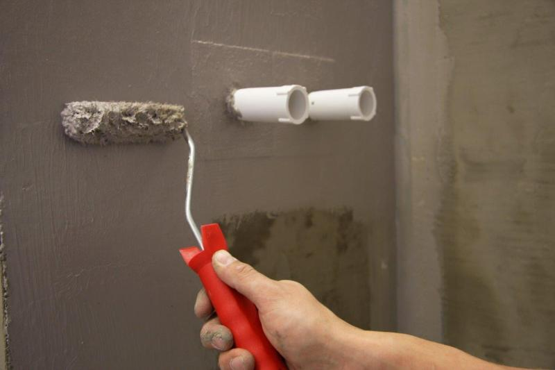 Badezimmer abdichten mit System - Bauhandwerk