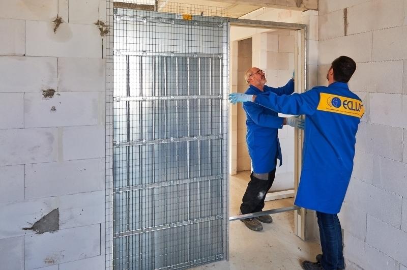 Super Die Tür parkt in der Wand - Bauhandwerk TE36