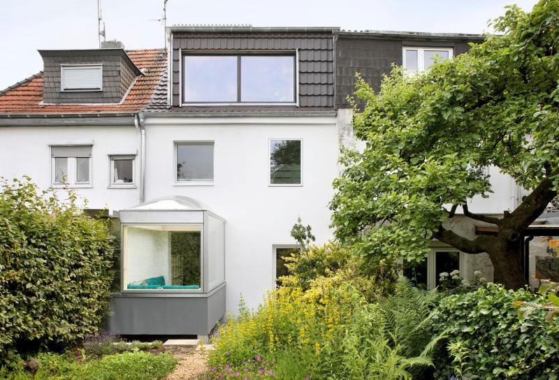 Im Erdgeschoss Wurde Ein 3 Mal 2 Meter Grosser Quader Mit Oberlicht Angebaut Foto Filip