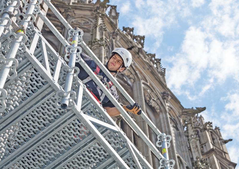 Gerüst Am Höchsten Kirchturm Der Welt Bauhandwerk