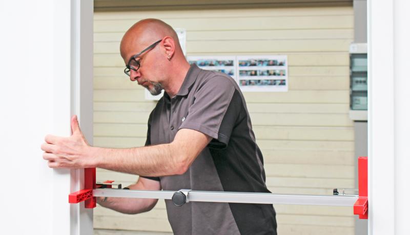 Stahlzarge Oder Holzzarge montage einer holzzarge und variofix stahlzarge hörmann im
