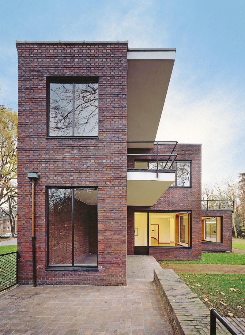 Fotoreportage Bei Haus Lange In Krefeld Versinken Die Fenster Im
