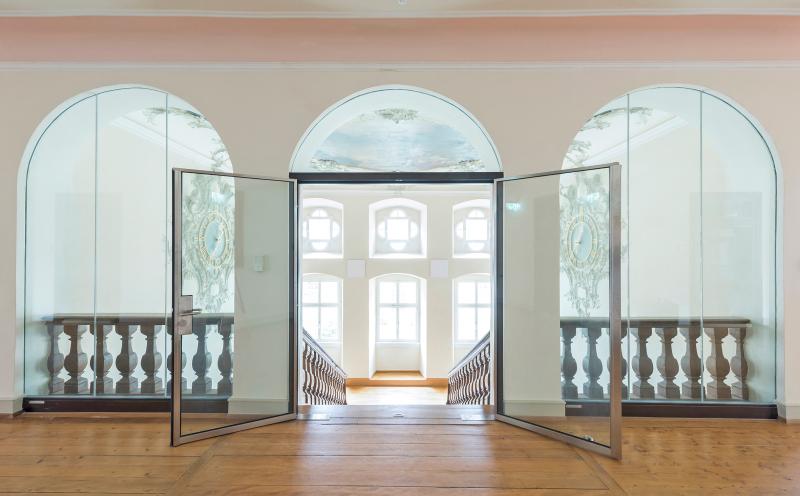 brandschutz ohne optische kompromisse im ehemaligen kloster sankt peter bauhandwerk. Black Bedroom Furniture Sets. Home Design Ideas