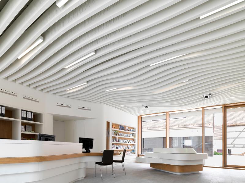 baffeln bieten l rmschutz f r dienstleistungszentrum in iphofen bauhandwerk. Black Bedroom Furniture Sets. Home Design Ideas