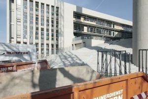 Der Verwaltungriegel verjüngt sich in Richtung Vogelsangerstraße auf unter zwei Meter