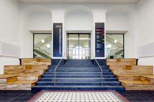 Im Zuge der Modernisierung wurde der Haupteingang vom Wilhelm-Leuschner-Platz aus komplett neu gestaltet<br />Fotos: Steffen Junghans