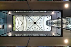 Blick gegen die Decke im Hauptschiff