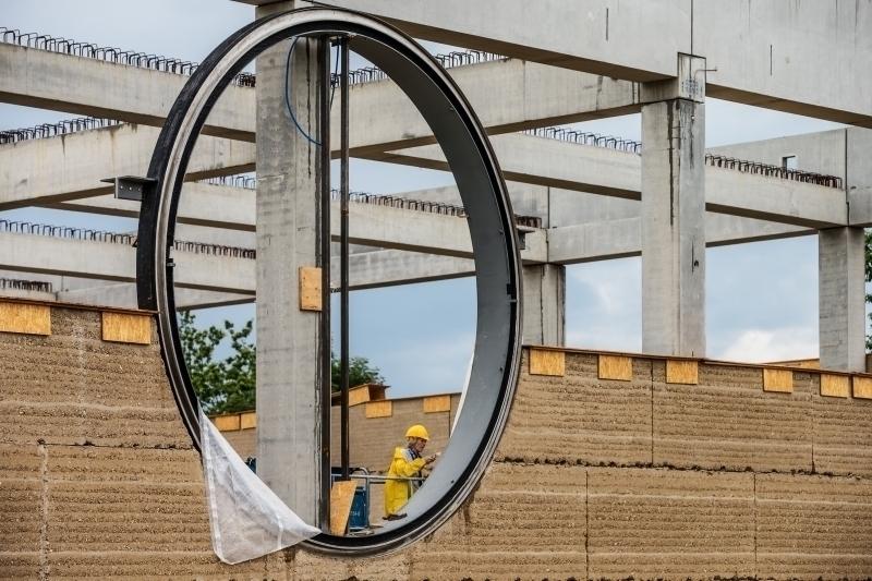 Gut bekannt Größter Lehmbau Europas Stampflehmbau nach Plänen von Herzog & de UZ32