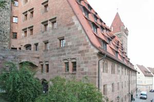 Außen hat sich nach Abschluss der Umbau- und Sanierungsarbeiten am Kornhaus der Nürnberger Kaiserburg so gut wie nichts verändert<br />Foto: Thomas Wieckhorst