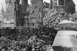 Das im Zweiten Weltkrieg fast vollkommen zerstörte Kornhaus der Nürnberger Kaiserburg
