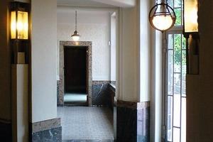 """<div class=""""99 Bildunterschrift_negativ"""">Blick in ein schönes Beispiel für repräsentatives Wohnen vor 100 Jahren auf der """"Route der Wohnkultur"""": der Hohenhof in Hagen </div>"""
