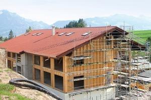 In Passivhaus-Bauweise entstehen derzeit zwei Häuser mit 60Wohnungen für die Mitarbeiter des Hotels Sonnenalp<br />