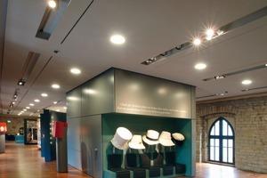 """Aufgrund der historischen Bedeutung des Orts befindet sich im Schloss heute die Dauerausstellung """"Ein Fest für die Freiheit""""<br />"""