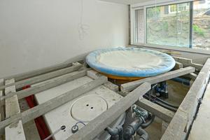 Unterkonstruktion im Boden für den Whirlpool im Keller