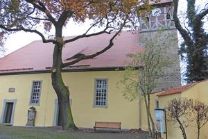 """... und die evangelische Kirche in Biederitz <span class=""""bildnachweis"""">Fotos: Matthias Rau, Steinblock-Architekten</span>"""