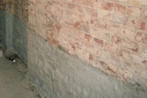 Vertikale Injektion bei einer an die Außenwand angelegten Zwischenwand<br />