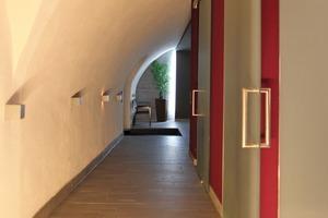 """Die Wände und Decken erfuhren eine Komplettsanierung mit MKL MicroPore Entfeuchtungsputz sowie eine anschließende Oberflächenveredlung mit Marmor Sumpfkalkputz<br /><span class=""""bildnachweis"""">Fotos: MKL SolidTechnology GmbH</span>"""