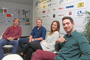 Felix Regener, Tim Leuwer, Lisa Bussmann und Tobias Setz (von links) haben ihre betriebliche Ausbildung abgeschlossen und befinden sich aktuell in der Studienphase