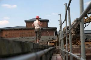 Rückbauarbeiten der atlen Dächer<br />