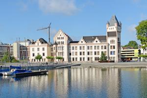 In den fünf neuen Normen zur Bauwerksabdichtung werden Planungsgrundlagen, Stoffe, Verarbeitung, Bemessung und Instandhaltung zukünftig bauteilbezogen behandelt. Das Foto zeigt die Hörder Burg in Dortmund, die mit Produkten von Staint-Gobain Weber abgedichtet wurde