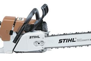 """Die aktuelle Stihl MS 460 wiegt mit 6,6 kg bei gleicher Leistung von 6 PS etwa die Hälfte der """"Contra""""<br />Fotos: Stihl<br />"""