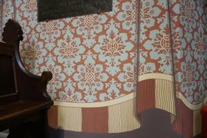 Detail der illusionistischen Vorhangmalerei