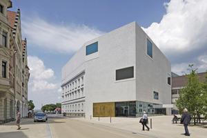Die Architekten Cukrowicz Nachbaur erhielten den Bestandsbau in Bregenz und integrierten ihn den Neubau