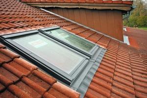 Anschluss der modernen Dachfenster an die wasserführenden Ebenen<br />