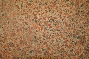 Die Oberfläche des Lehmfußbodens im Detail