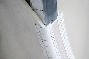 Rechts: Eckschutzprofil für Trockenbauplatten<br />