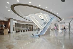 In den drei Mall-Augen verbinden Rolltreppen die drei Ebenen der Münchner Pasing Arcaden Fotos: Knauf Gips / Bernd Ducke<br />