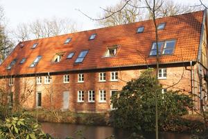 … und bauten auf der Gebäuderückseite eine Kombination aus Loggien und Dachfenstern ein<br />