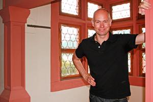 Thomas Wieckhorst, Chefredakteur der bauhandwerk, im Hilchenhaus in Lorch<br />(ab Seite 12)<br />Foto: Gregor Voss<br />Kontakt: 05241/801040, thomas.wieckhorst@<br />bauverlag.de