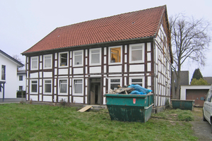 Das Fachwerkhaus in Lemgo zu Beginn der Sanierungsarbeiten<br />Fotos: Kramp &amp; Kramp