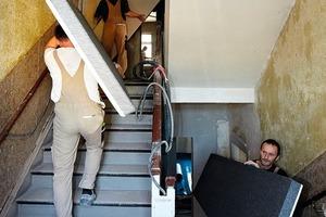 Die Verbund-Dämmplatten lassen sich dank ihrer geringen Breite von 625 mm selbst durch schmale Treppenaufgänge und Flure bequem transportieren<br />
