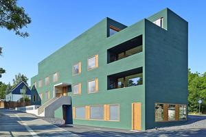"""Grün-Objekt mit interessanter Putzstruktur: Für den Neubau dieses Wohn- und Geschäftshäuser in Mainz gab es den 1. Preis in der Kategorie Wohn- und Geschäftshäuser<span class=""""bildnachweis"""">Foto: Guido Erbring / Brillux</span>"""