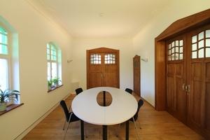 Besprechungsraum im Erdgeschoss der Villa Kösters nach Abschluss der Sanierungs- und Restaurierungsarbeiten<br />