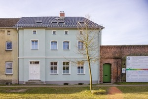Der Altbau von 1881 produziert heute mehr Endenergie als er selbst verbraucht<br />Foto: Knauf / Stephan Klonk<br />