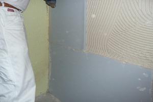 Auf der Innenseite der Giebelwände brachten die Handwerker eine Innendämmung aus Calciumsilikatplatten auf<br />