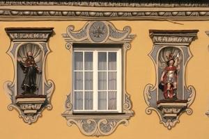Nun wachen sie wieder über Berkheim und die Krone: der Dorfheilige Willebold und der heilige Florian