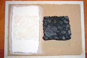 Daneben: Links im Bild das Stempelergebnis, rechts im Bild die Struktur unter dem Model<br />