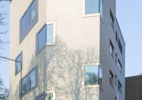 Vom Stadtraum plastisch angeschnitten: das neue Chemiepraktikum Aachen