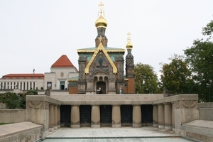Die Russische Kapelle gehört zwar nicht zu den Jugendstilbauten der Mathildenhöhe, stand jedoch bereits dort, bevor die Künstlerkollonie dort zu bauen begann<br />
