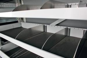 &nbsp;Die Fachgrößen in den Fachbodenregalen lassen sich durch Trennwände flexibel anpassen<br />
