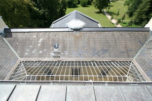 Blick auf das Glasdach des Lichthofs von der Dachterrasse aus<br />