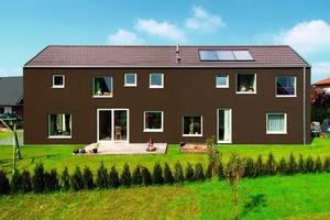 Mit SolReflex Fassadenfarben lassen sich dunkle Farbtöne auf WDV-Systemen realisieren, ohne Beschädigungen an Putz oder Dämmmaterial aufgrund zu hoher Oberflächentemperatur zu riskieren<br /><br />