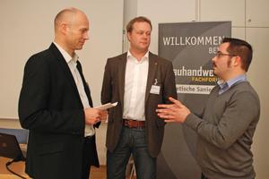 Von links: Moderator Thomas Wieckhorst mit den Referenten Daniel Neve (Heinrich Hahne GmbH & Co. KG) und Kai Burcek (Knauf Perlite)