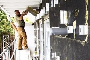 Energetische Sanierung der Außenwand mit der Knauf Insulation Fassaden-Dämmplatte TP 435 B, einem hydrophobierten Dämmstoff aus Mineralfasern in 20 cm Dicke