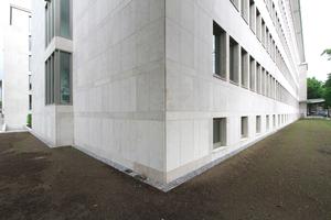 Fassadendetail des Gebäudes über Eck