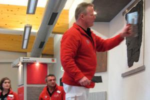 Auf dem 10. Allgäuer Baufachkongress standen bei den Praxisvorführungen die kreativen Wandtechniken im Vordergrund<br />Foto: Thomas Wieckhorst<br />